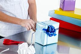 Bild Nebenjob als Geschenkeverpacker