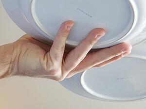 3-Teller-Technik / zwei Teller tragen von unten