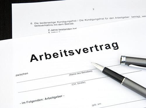 Bild Ratgeber: Arbeitsvertrag für Schülerjobs